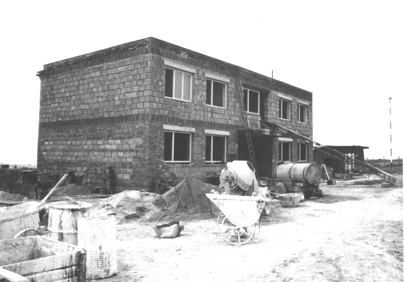 Výstavba správní budovy na novém letišti